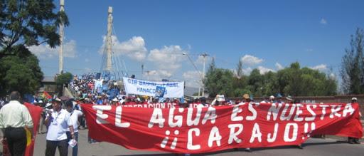 """1999 <br>""""Guerre de l'eau"""" à Cochabamba"""